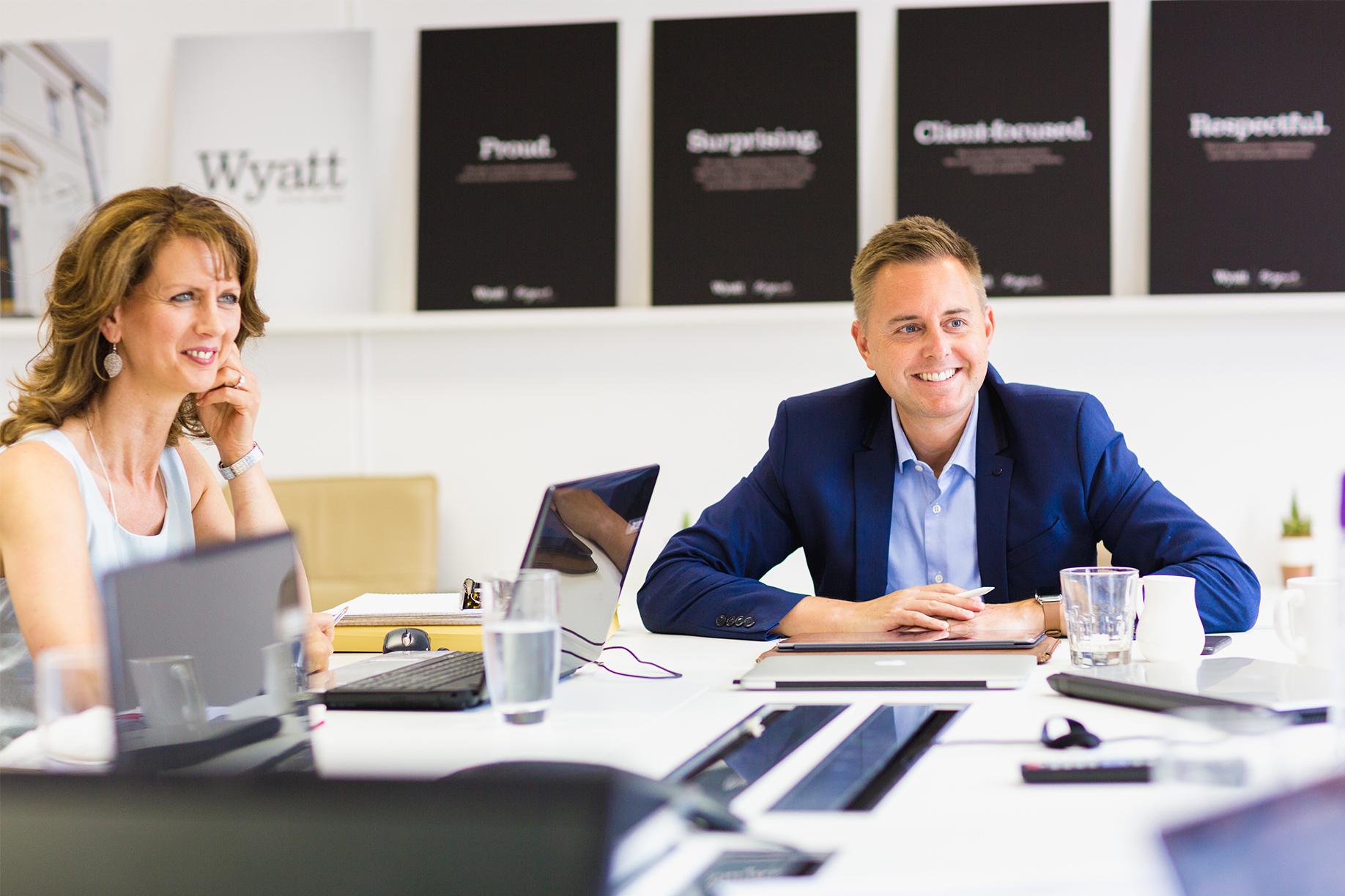 Mark Fones talking to a B2B marketing client